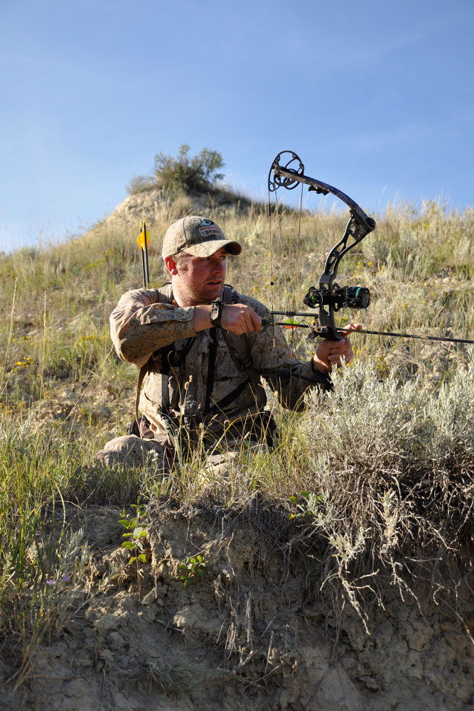 //www.bowhunter.com/files/antelope-the-hard-way-10-ways-to-increase-your-spot-and-stalk-pronghorn-success/the-right-prep.jpg