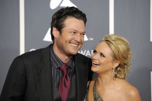 //www.bowhunter.com/files/awesome-celebrity-bowhunters/02_blakeshelton.jpg