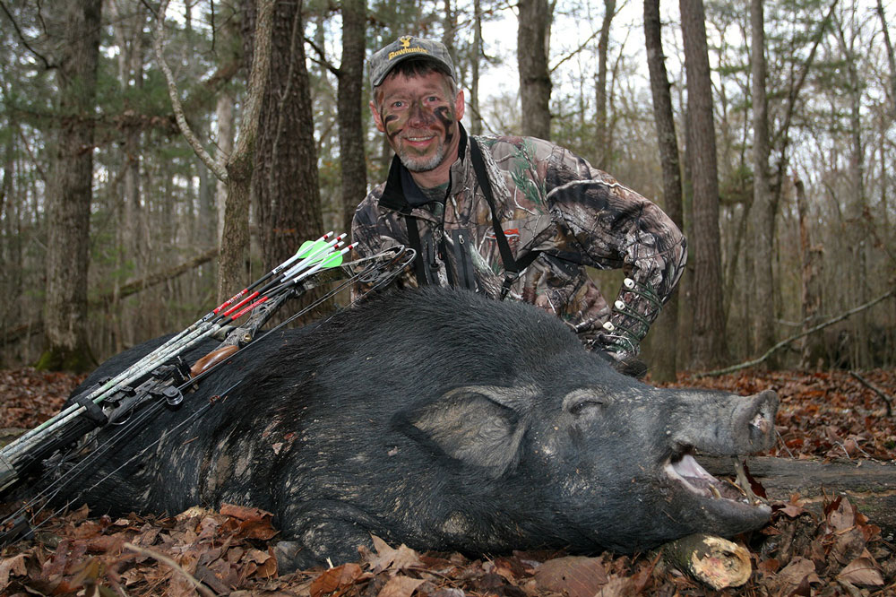 //www.bowhunter.com/files/bowhunter-destinations-the-top-5-hog-hunting-states/hog_hunting_georgia.jpg