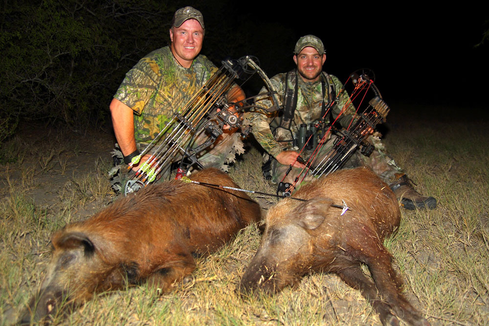 //www.bowhunter.com/files/bowhunter-destinations-the-top-5-hog-hunting-states/hog_hunting_texas.jpg