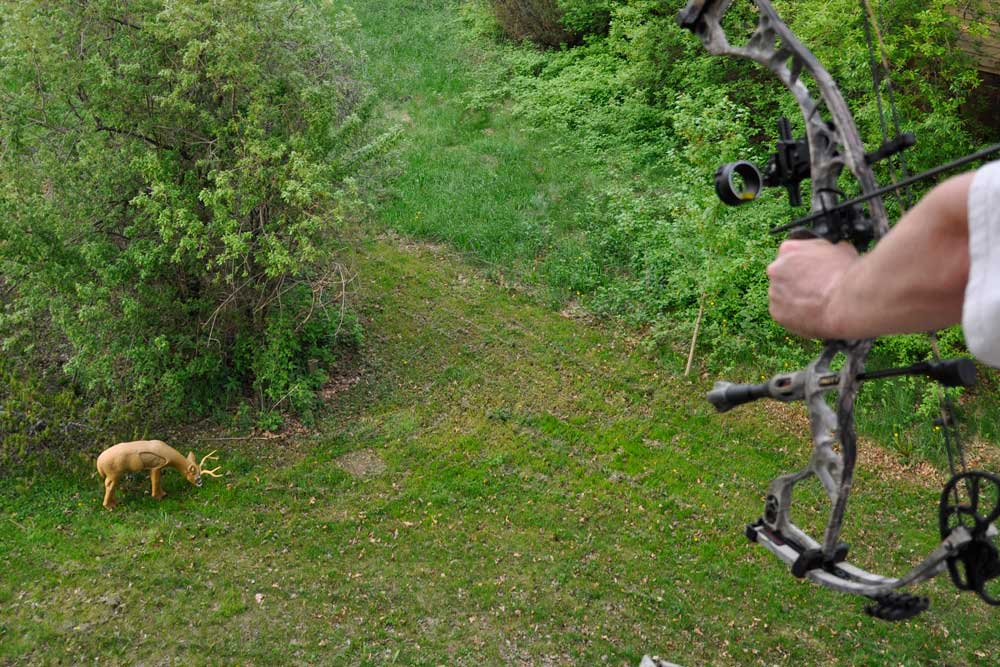 //www.bowhunter.com/files/how-to-establish-your-effective-range/on-high.jpg