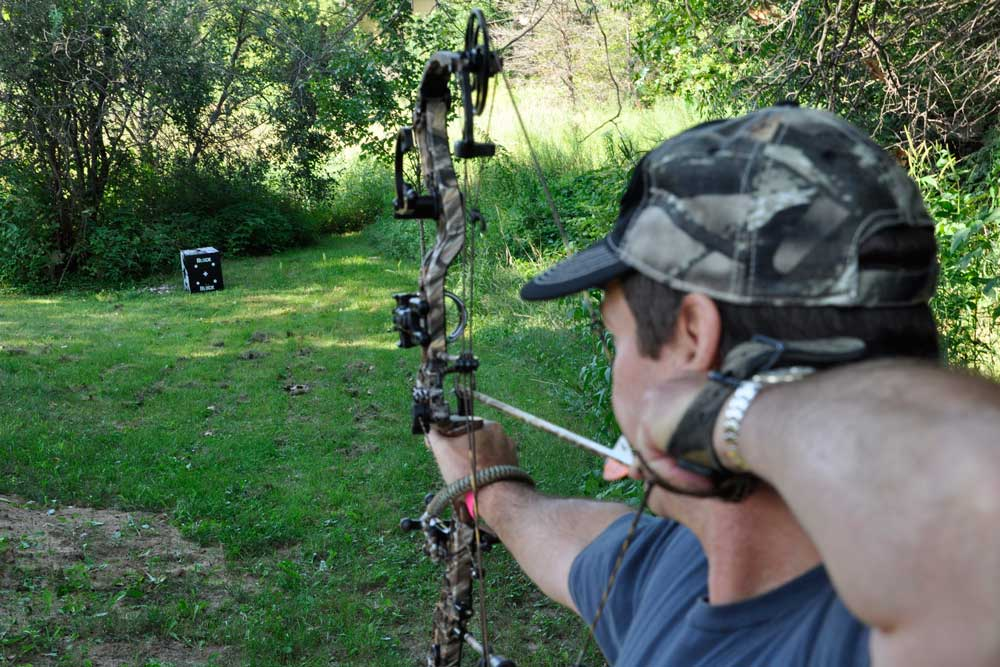 //www.bowhunter.com/files/how-to-establish-your-effective-range/quality-vs-quantity.jpg