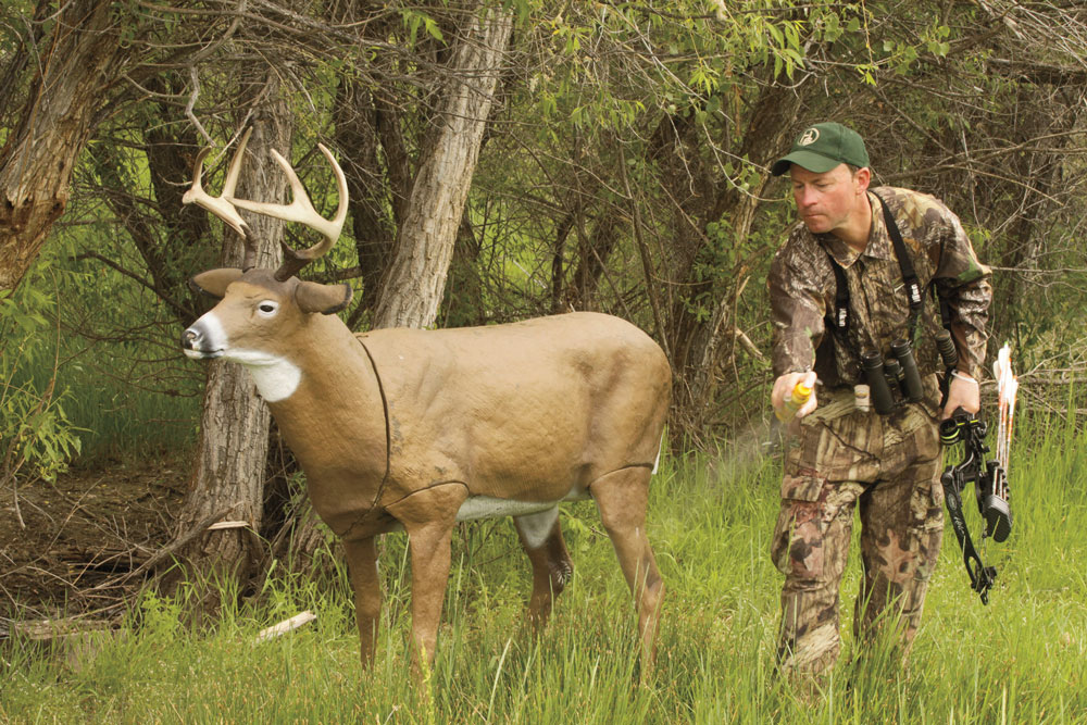 //www.bowhunter.com/files/how-to-stop-a-trophy-buck-for-the-perfect-shot/make_em_stop_1.jpg