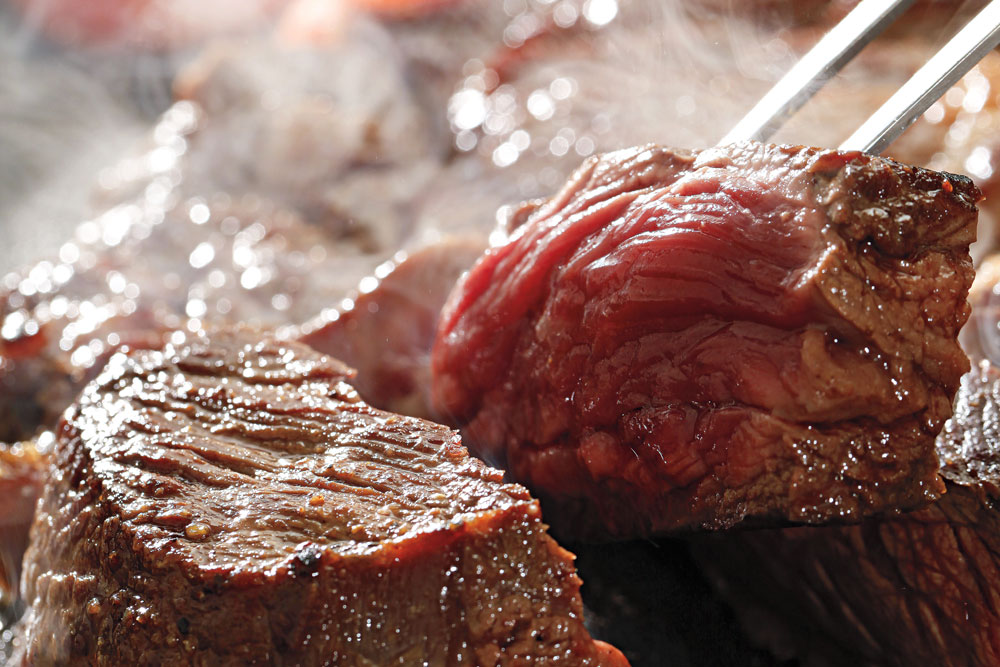//www.bowhunter.com/files/mouth-watering-venison-recipes/venison_prep_steak.jpg