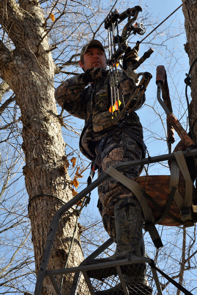 //www.bowhunter.com/files/treestand-tips-for-tagging-out-during-the-rut/comfy-stands.jpg