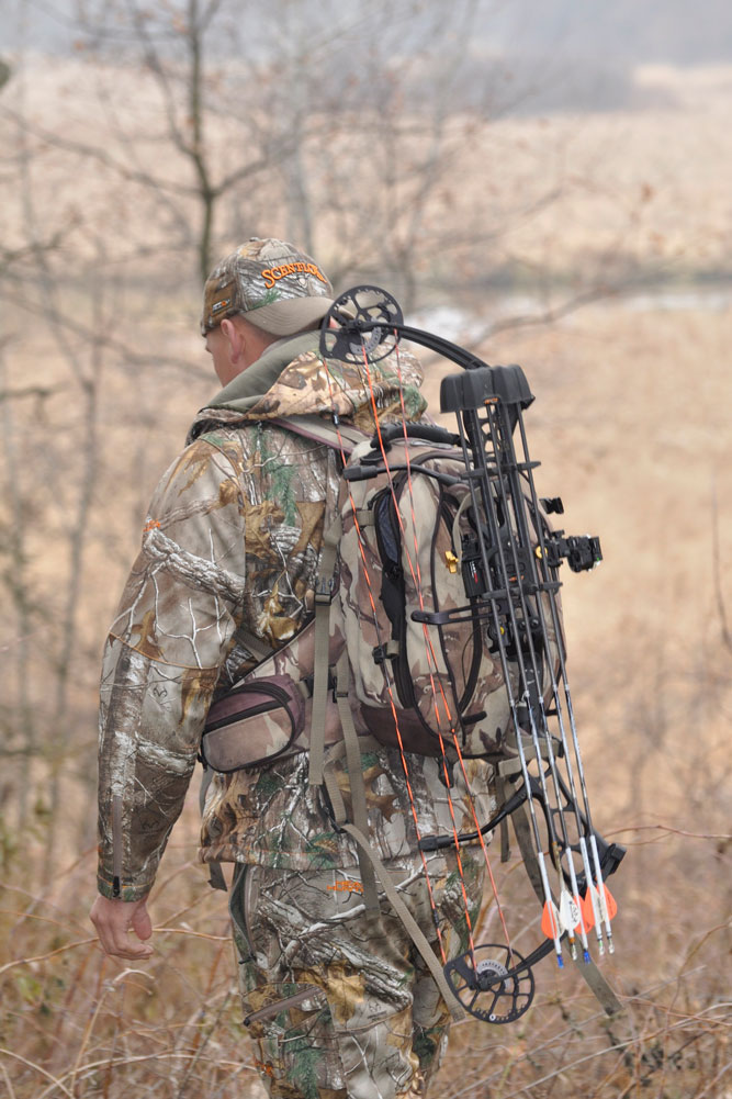 //www.bowhunter.com/files/treestand-tips-for-tagging-out-during-the-rut/pack-heavy.jpg