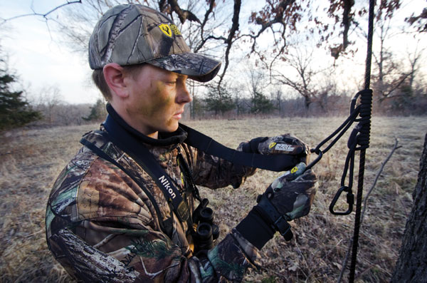 //www.bowhuntingmag.com/files/10-best-treestand-hunting-tips/010_the-most-important-product.jpg