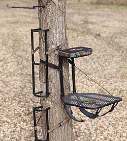By Staff Report    The new Boss Lite Packable Combo from Big Game Treestands is a