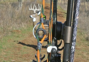 Start By Attaching The Sight To Bow Next Loosen That Locks Horizontal Adjustment Of Head And Place An Arrow On Rest