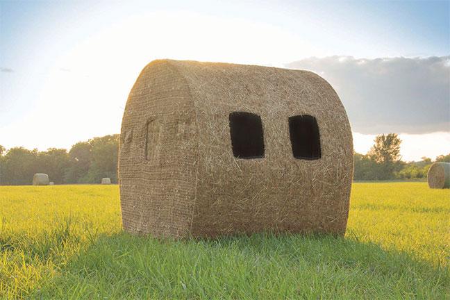 Redneck-hunting-blinds-bale-2016