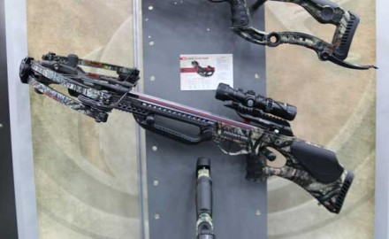 Part of the Carbonlite Series, the Barnett Ghost 415 Revenant is able to eliminate a ton of
