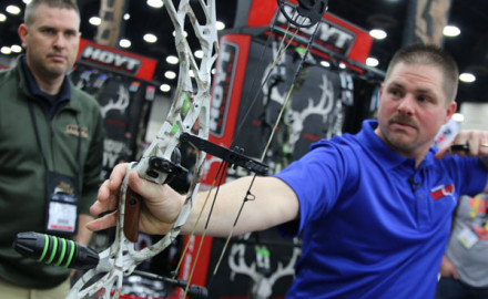 Hoyt continues to raise the performance bar with its 2016 Defiant, which features a redesigned