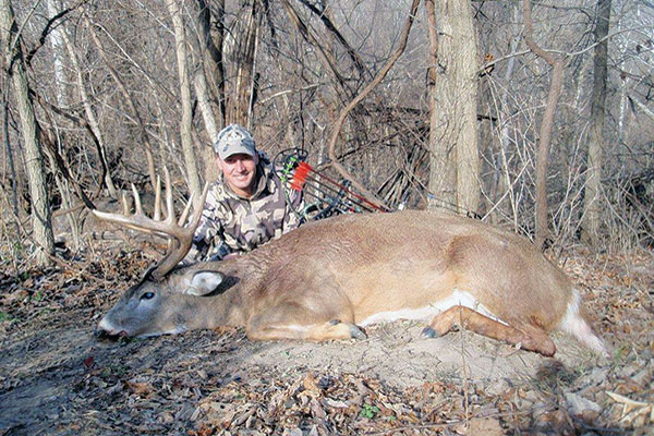 //www.bowhuntingmag.com/files/bowhunters-you-should-know/real_hunter_01.jpg