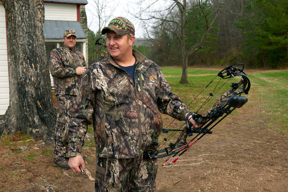 //www.bowhuntingmag.com/files/gary-levoxs-fast-cars-and-freedom-farms-property/7_7.jpg