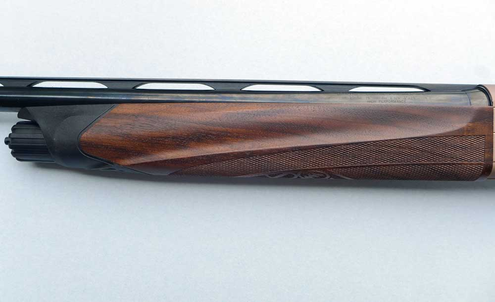 //www.gundogmag.com/files/beretta-a400-xplor-action-20-gauge/a400-forend.jpg