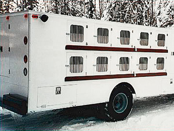 //www.gundogmag.com/files/the-best-dog-crates-kennels-for-2013/redwing_hound_haulers.jpg