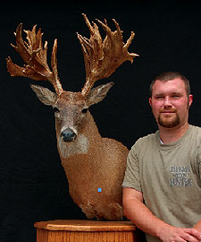Western Tennessee has produced some true wallhangers in recent years. Here are the stories on two megabucks taken in 2007.