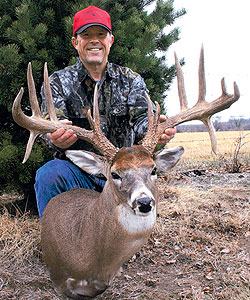 For years, this Kansas legend evaded bowhunters and gun hunters alike.  In the end, it took a true woodsman to bring him down!