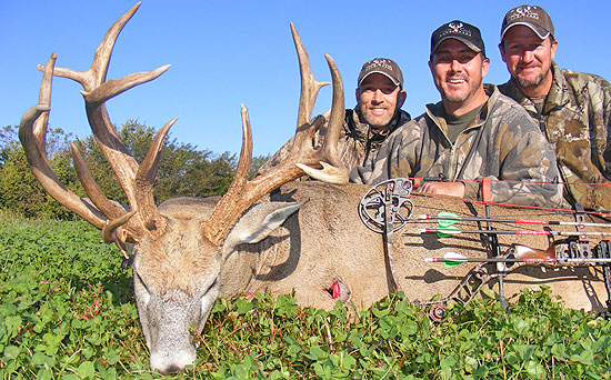 Deer of the Day - Luck of the Draw Buck, Travis Medlin