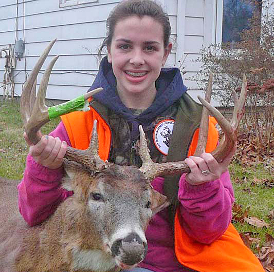 While hunting with her father Rick in southwest Michigan, 16-year-old Ashlyn Spyker was able to