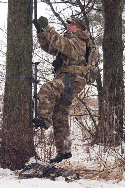 How to Stay Warm in Cold Weather Hunting
