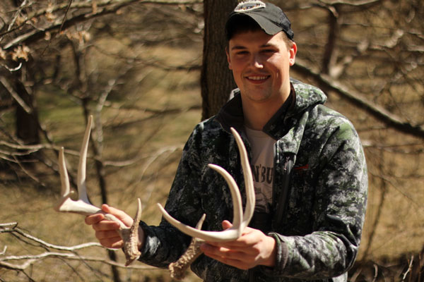 The Whitetail Addict's Guide to Shed Hunting