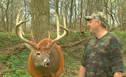 An Illinois bowhunter retells his story of taking down a large 8 point buck.
