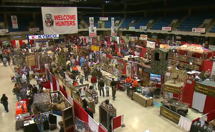 Stan Potts visits the Illinois Deer Classic Show and shows you what you can learn there, should you