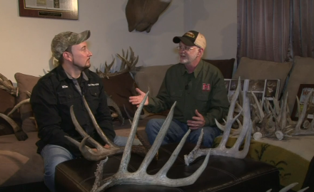 Gordon Whittington talks with a shed-antler collector entusiast about his passion.