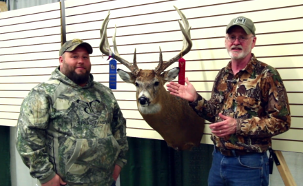 Gordon Whittington talks with an Iowa hunter who shares his unique story of how he landed a nice 11
