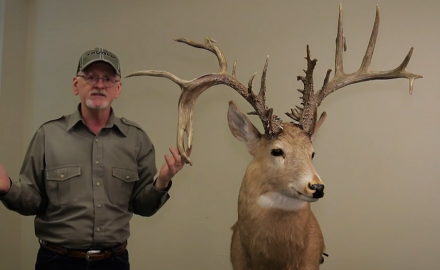 Gordon Whittington features the Idaho state record holding non-typical buck shot by Herman Lunders.