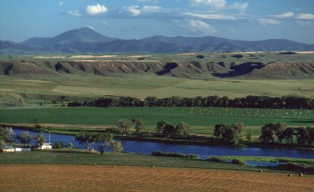 The eastern half of Montana is characterized by dry plains, rolling hills and cattle ranches