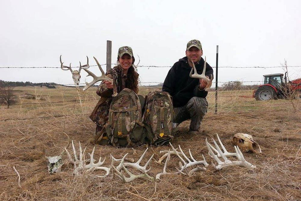 //www.northamericanwhitetail.com/files/best-whitetail-shed-finds-of-2015/craig_bell_lg.jpg