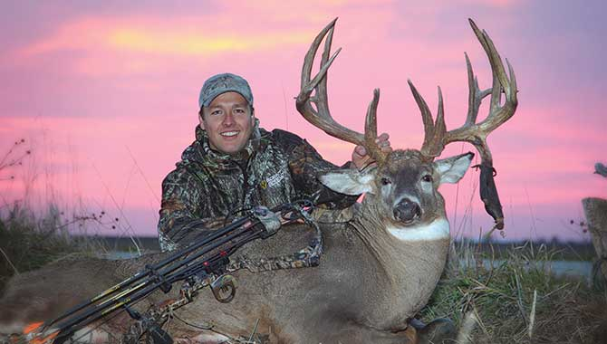 //www.northamericanwhitetail.com/files/big-buck-states-for-2013/bo_russell_buck.jpg