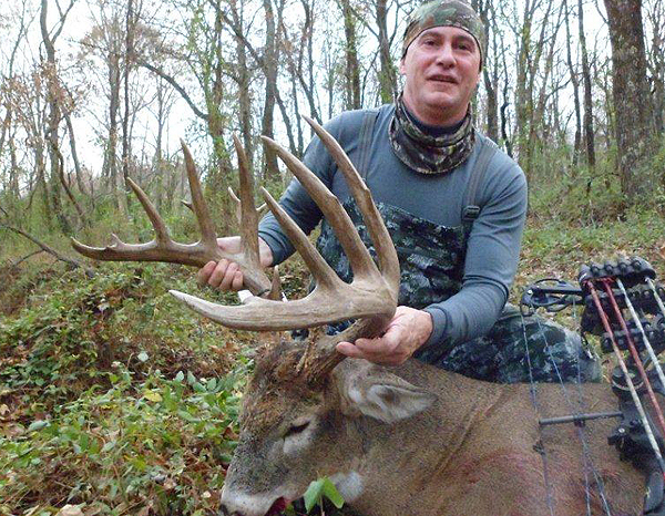 //www.northamericanwhitetail.com/files/illinois-monarch-202-78-inch-trophy-buck/naw_randyschultz_112211b.jpg