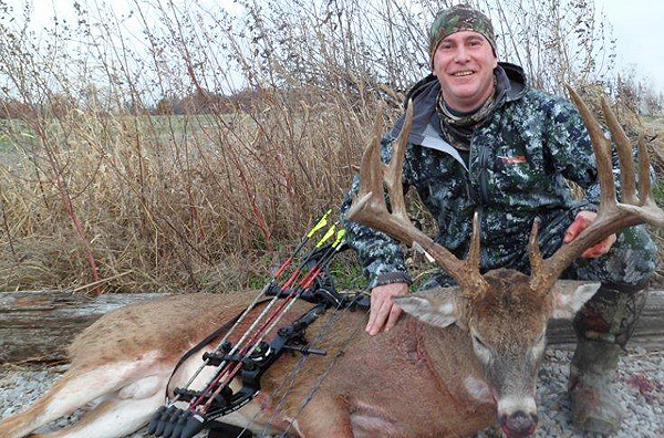 //www.northamericanwhitetail.com/files/illinois-monarch-202-78-inch-trophy-buck/naw_randyschultz_112211i.jpg