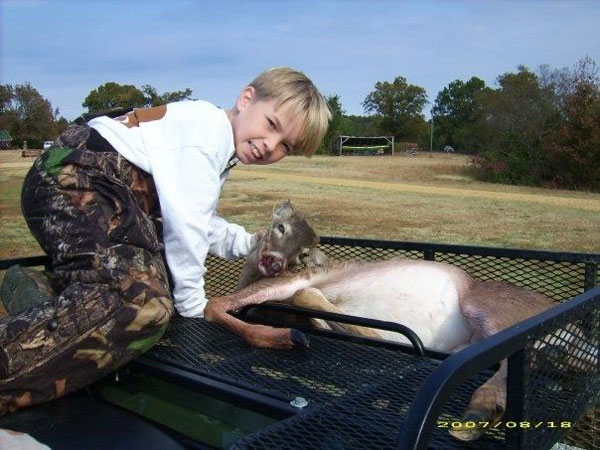 //www.northamericanwhitetail.com/files/naw-communitys-favorite-photos/15hayes.jpg