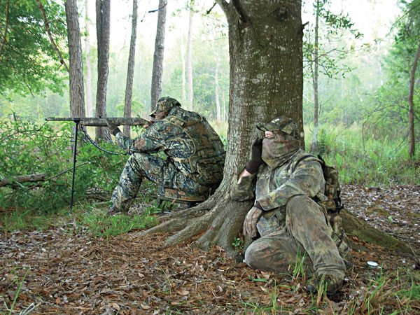 //www.petersenshunting.com/files/10-turkey-hunting-tips-for-the-desperate-beak-buster/turkey-hunting_003.jpg