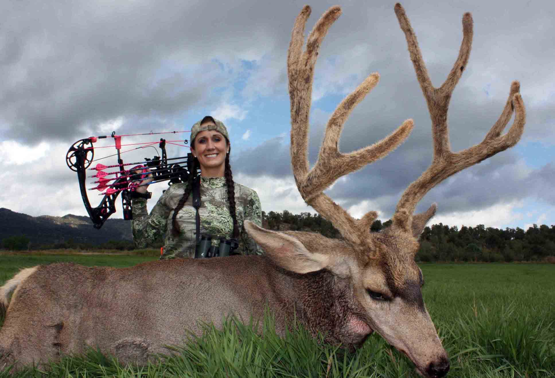 VIDEO: 11-Day Hunt Ends in Early Season Giant!