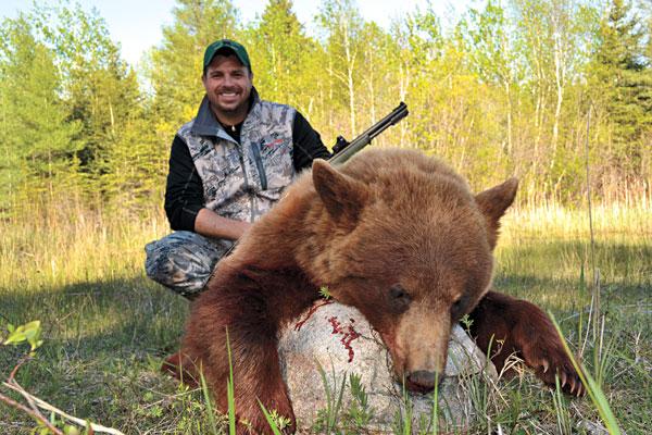 Manitoba-black-bear_001