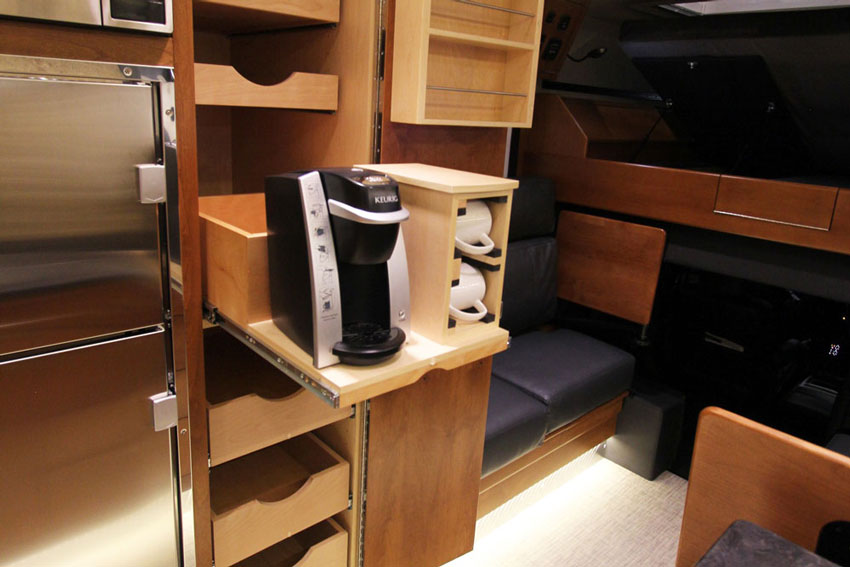 2-earthroamer_interior_5