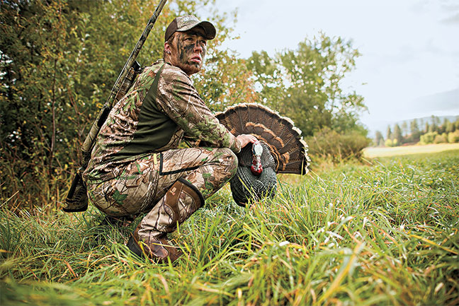 turkey-hunting-henned-up-toms