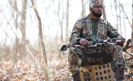 Justin-Tuck-NFL-bowhunting-featured-