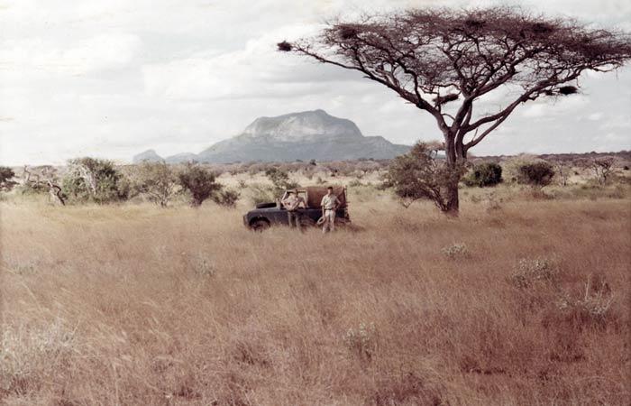 land-rover-africa-tough