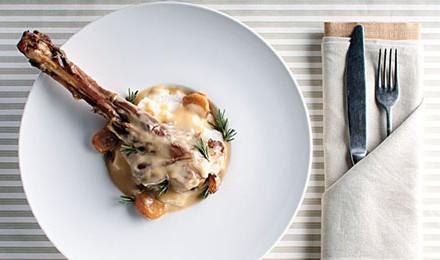 Braised Venison Shanks with Garlic Recipe