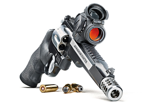 Smith & Wesson's New .44 Magnum Masterpiece For Hunters