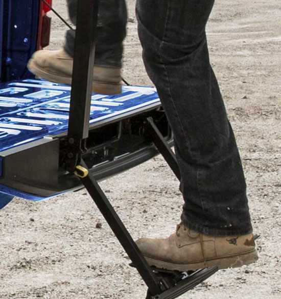 An available Ford-exclusive Tailgate Step makes stepping up into the cargo bed simple. The step stows away in the tailgate when not in use.