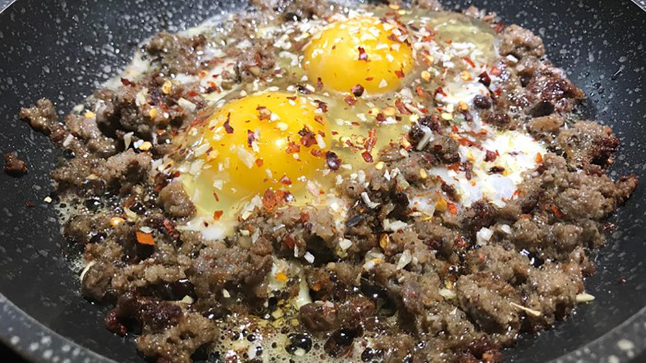 Spicy Venison Sausage Egg Scramble Recipe