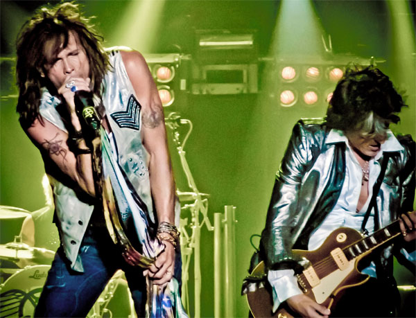 //www.petersenshunting.com/files/8-surprising-pro-hunting-celebrities/joe-perry.jpg