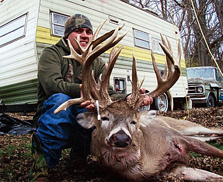 //www.petersenshunting.com/files/biggest-non-typical-whitetails-of-all-time/11_wesley_obrien.jpg